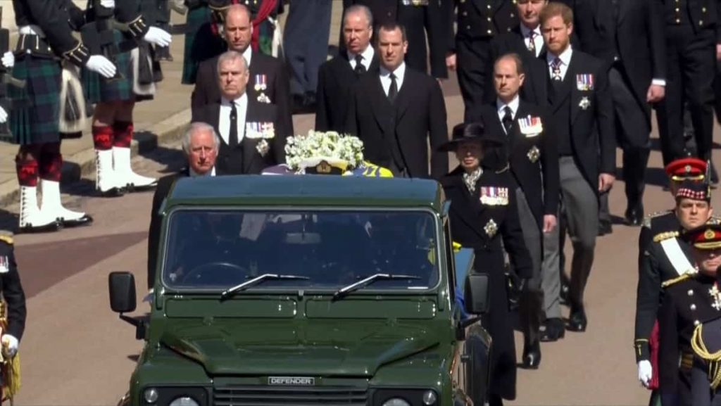 In pictures |  Elizabeth II and her queen bid farewell to Prince Philip