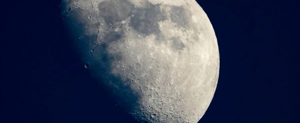 NASA chooses SpaceX for its next mission to the moon