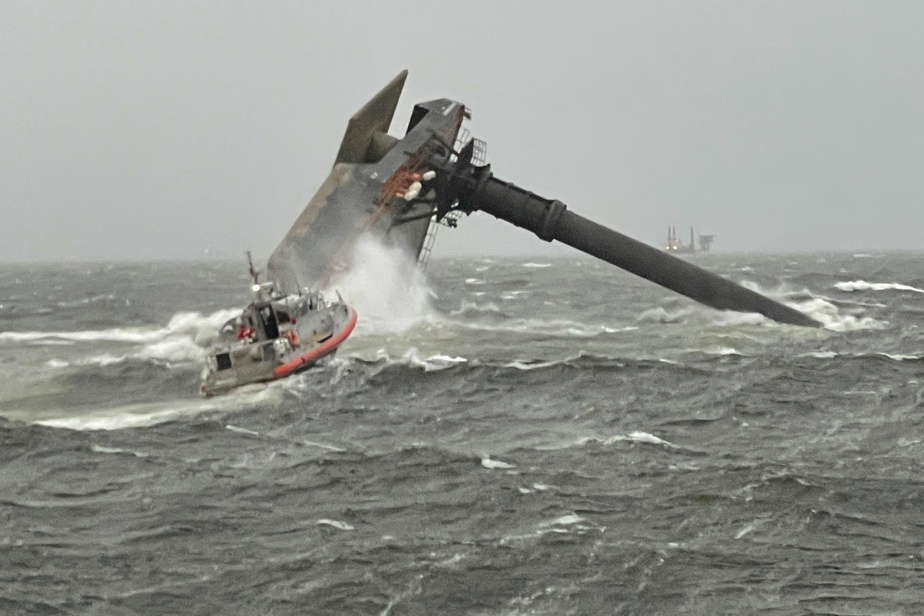 The ship capsizes off Louisiana, and scores are lost