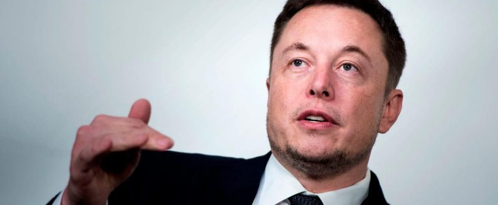 "Tourists on Mars: ""A lot of people risk death,"" Elon Musk admits"