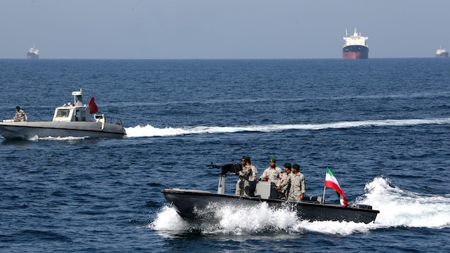 American naval attempts to disperse Iranian ships in the Strait of Hormuz