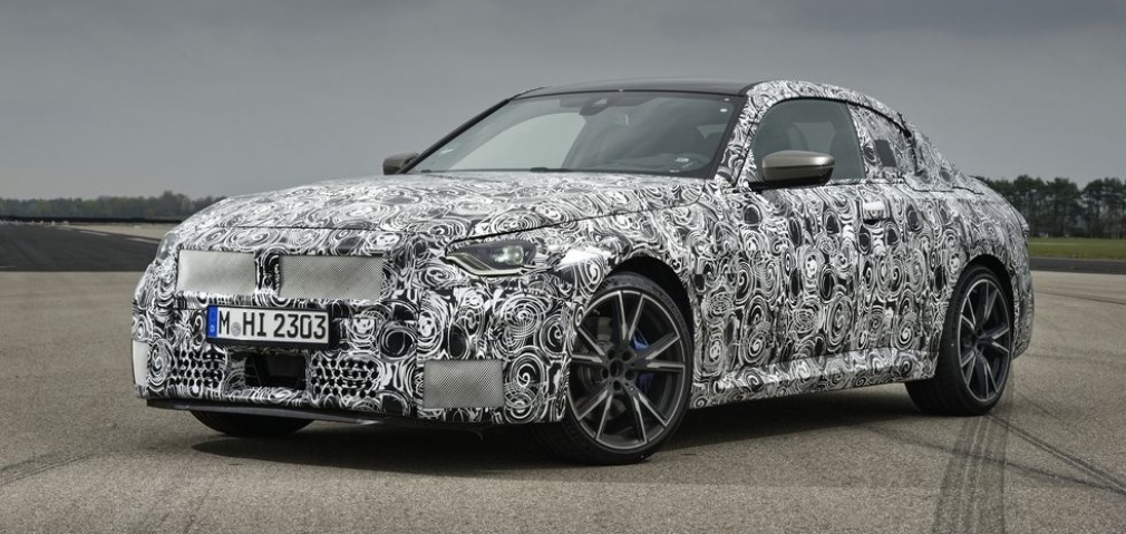 """BMW prepares for a """"real"""" Series 2 with 389 hp"""