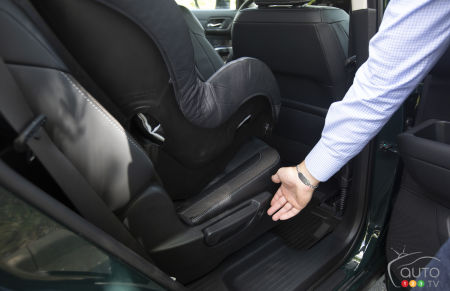 Nissan Pathfinder 2022, second row seats