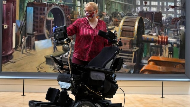 """Stephen Hawking's """"The Universe"""" will be shown"""
