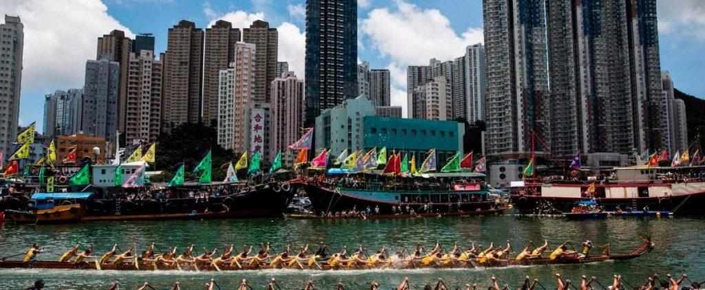 "Hong Kong ""suspends"" Taiwan office operations"