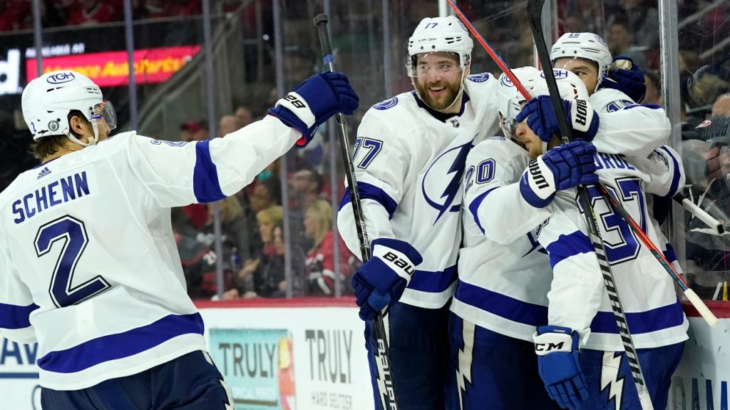 NHL Qualifier: Lightning wins first game in Carolina with a Barclay Goodrow goal