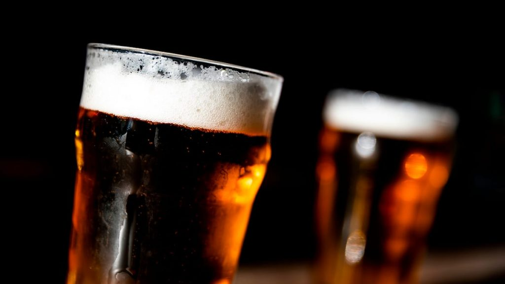 70% of the population vaccinated: free beer for all on July 4 4