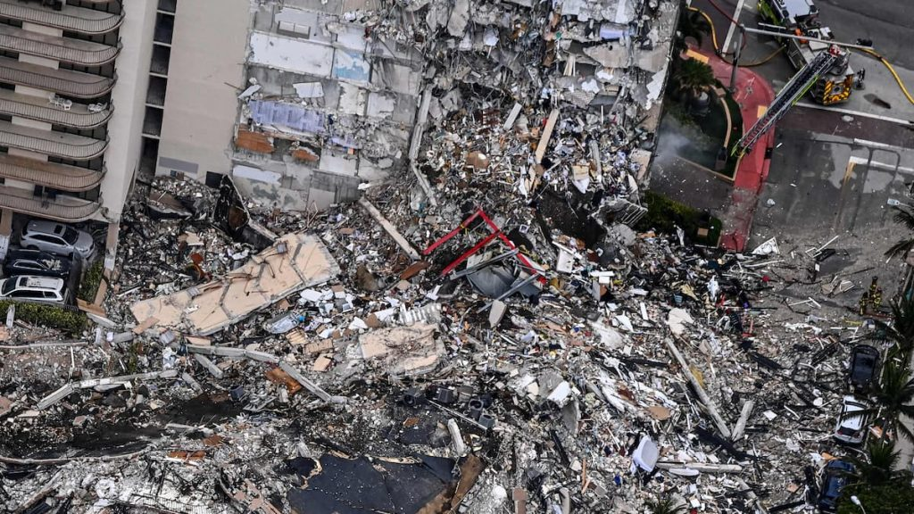 A collapsed building in Miami: the suffering of residents and families of the missing