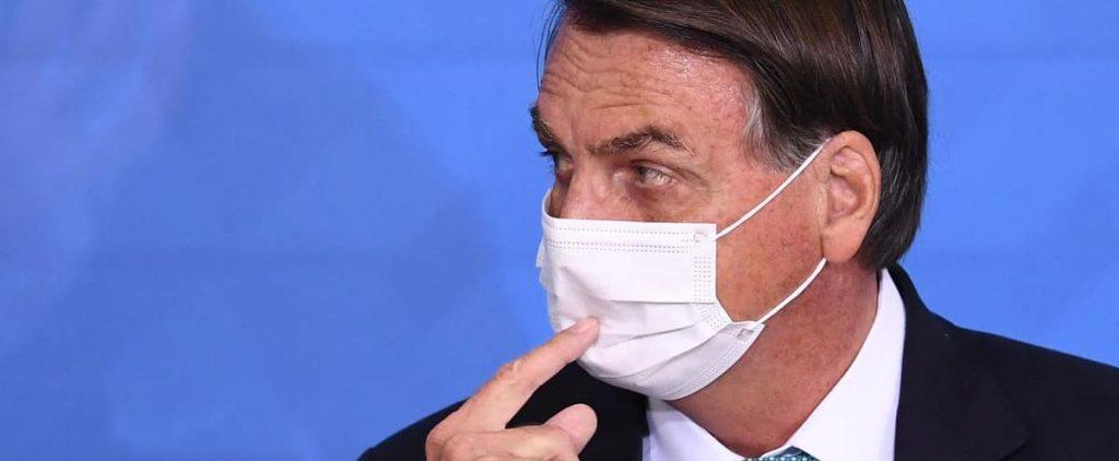 Brazil: Bolsonaro loses his temper in front of 'dirty' press