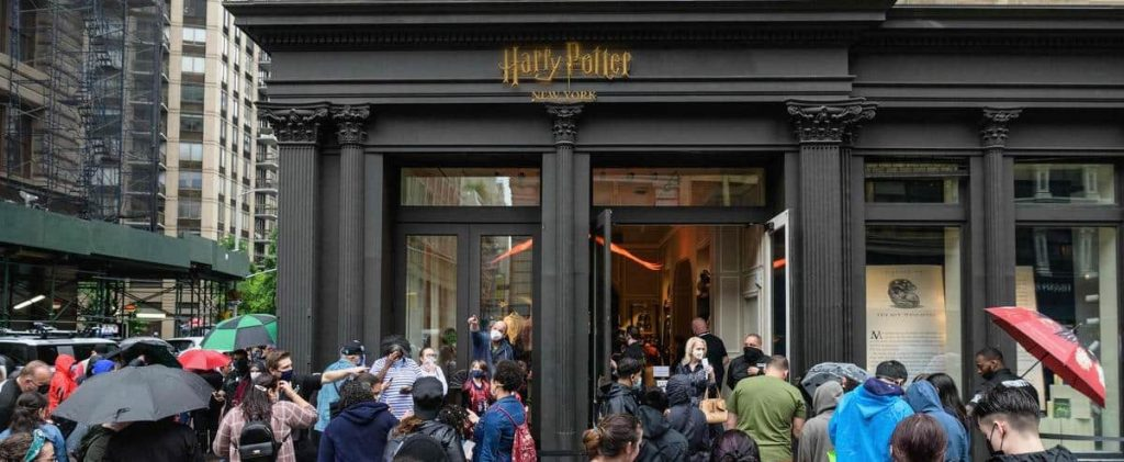 [PHOTOS] Giant Harry Potter store opens in New York