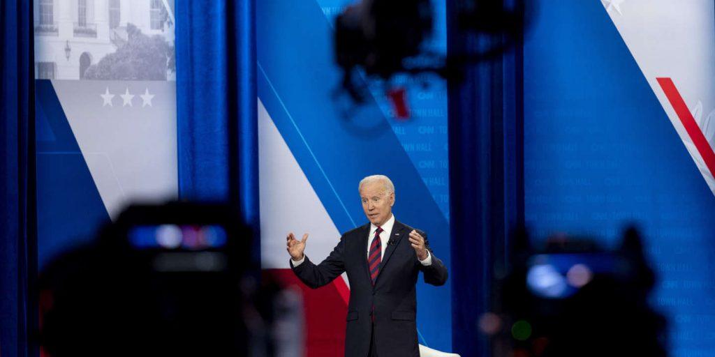 In the United States, Republican senators block the infrastructure deal