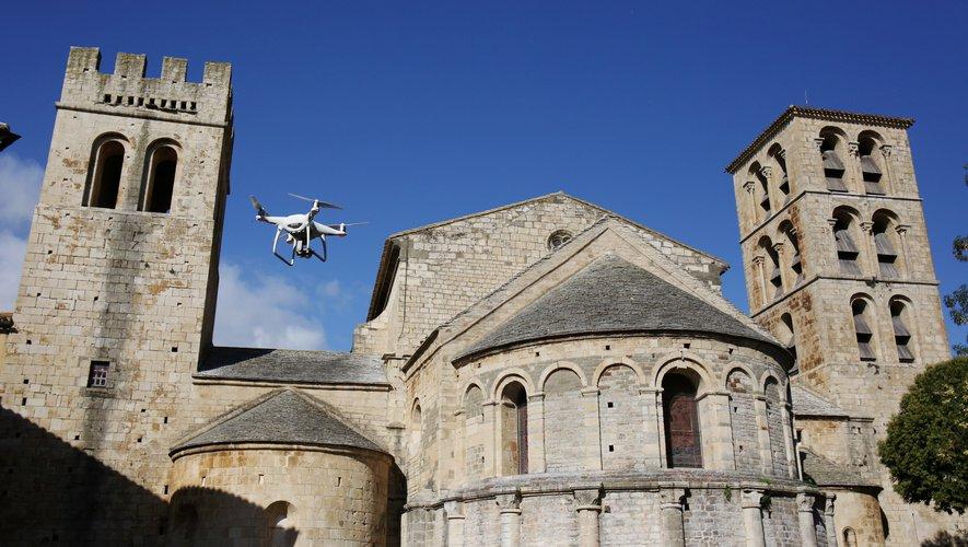 Caunes-Minervois.  Immediate launch of space at the Benedictine monastery