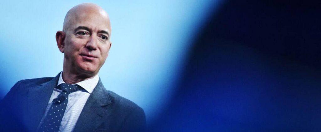 Jeff Bezos offers a $2 billion bribe from NASA for lunar landing gear