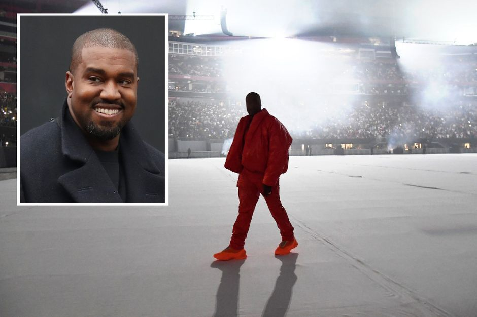 Kanye West shares a picture of his bedroom...at a stadium in Atlanta