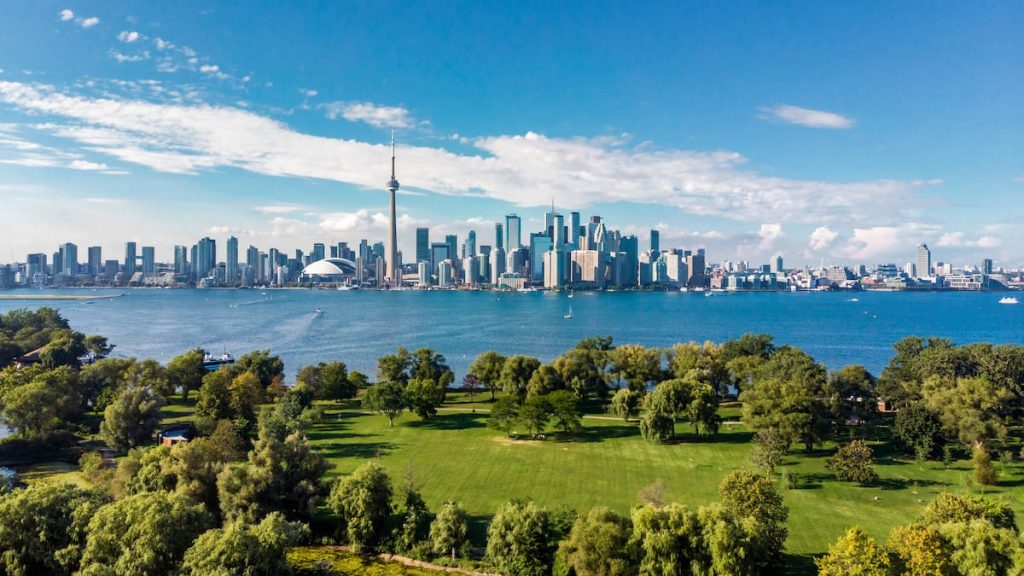 Moderate growth in new cases in Ontario