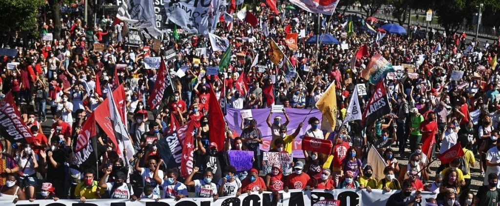 Thousands of Brazilians demonstrate against Bolsonaro
