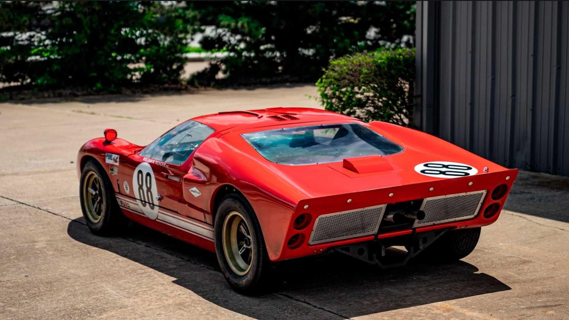 RCR Ford GT40 Replica