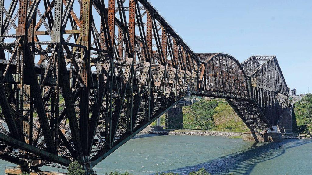 Delayed purchase of Quebec Bridge