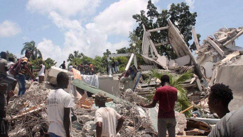 Haiti earthquake kills at least 724 people