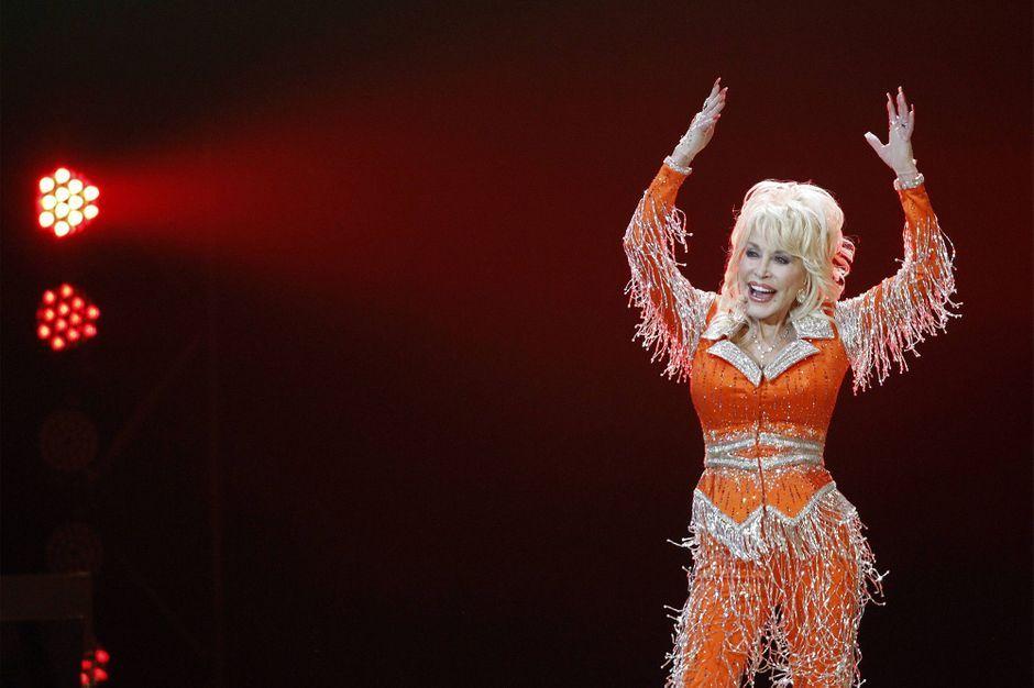 How Dolly Parton chose to honor Whitney Houston's memory