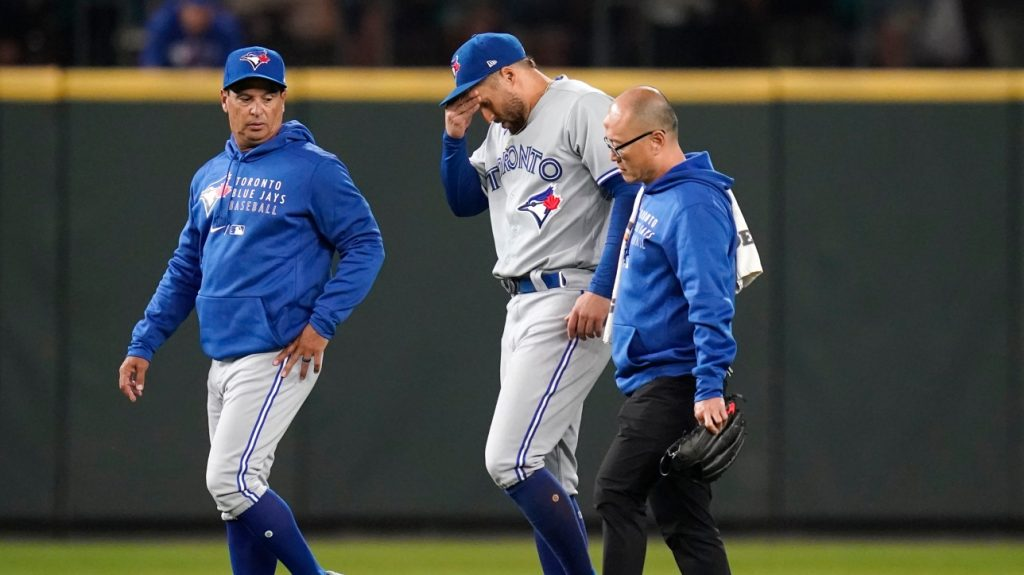MLB: George Springer injured in Blue Jays loss to Mariners