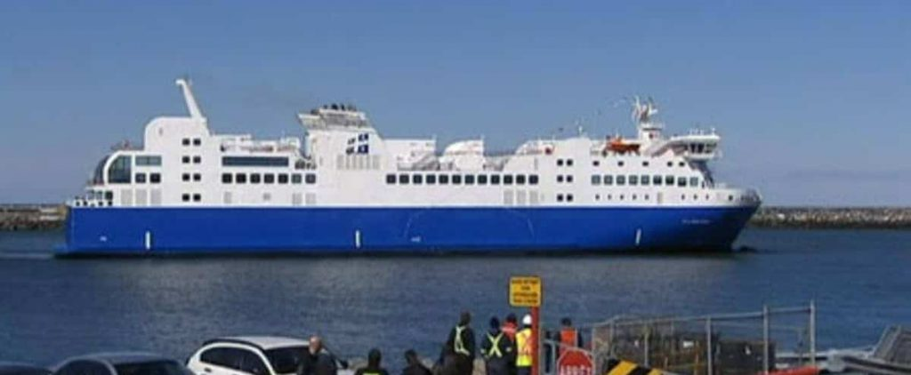 The ferry F.-A.-Gauthier returned to Dry Dock