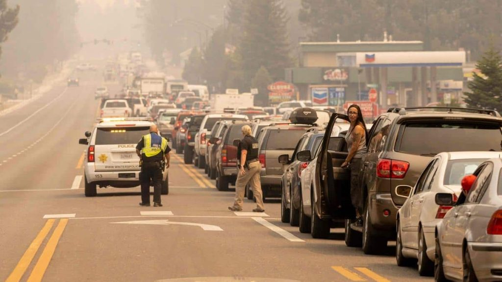Thousands of evacuees in the California tourist area