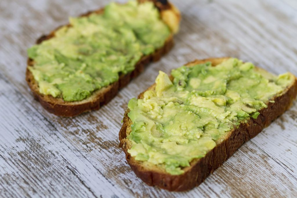 Avocado alters the distribution of belly fat in women