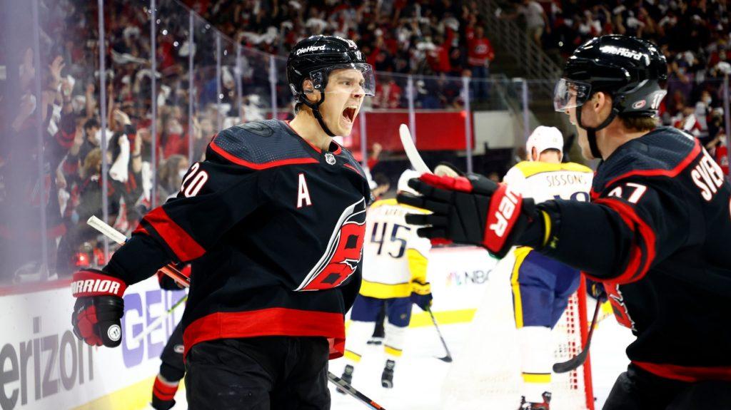 NHL: Sebastian Aho laughed so hard with $20 signing bonus for Jesperi Kotkaniemi