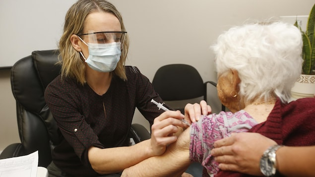 The third dose of vaccination in nursing homes: positive reactions in the region