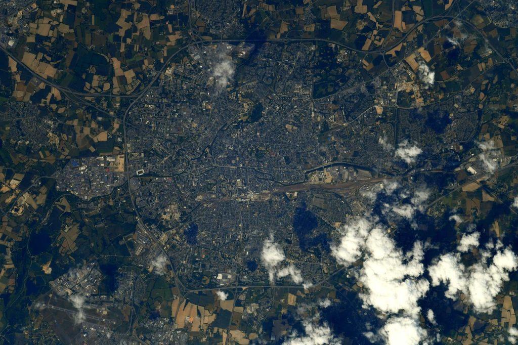 Une photo de Rennes vue du ciel partagée par l