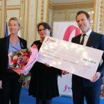 Natalie Cade receives the Pink Ribbon Award