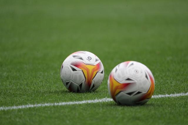 England welcomes 35 Afghan players
