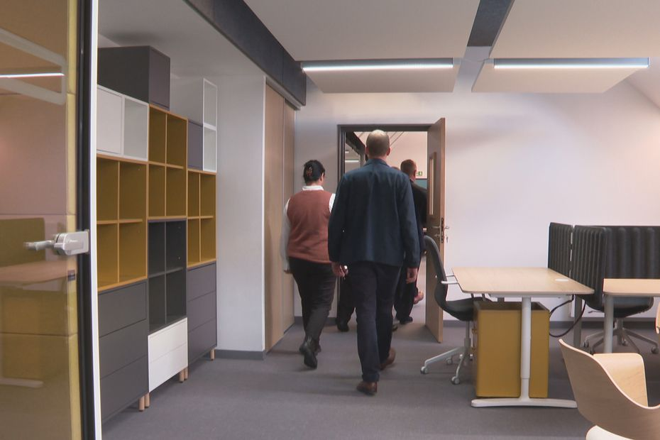 Opening a co-working space for young companies in Sin