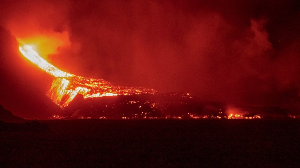 Volcano in the Canaries: A very new liquid lava flow on the island of La Palma