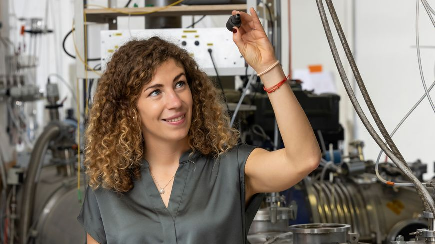 Eszter Dudas, une post-doctorante de l'institut de physique de Rennes, a reçu le prix Jeune Talent pour les femmes et la science de l'UNESCO et la fondation L'Oréal.